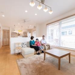 家族で過ごす時間が最高に幸せ2階リビングの開放感を満喫